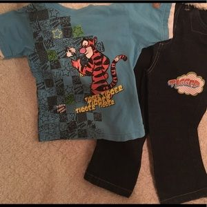 4T Disney's Tigger outfit blue shirt & loose jeans